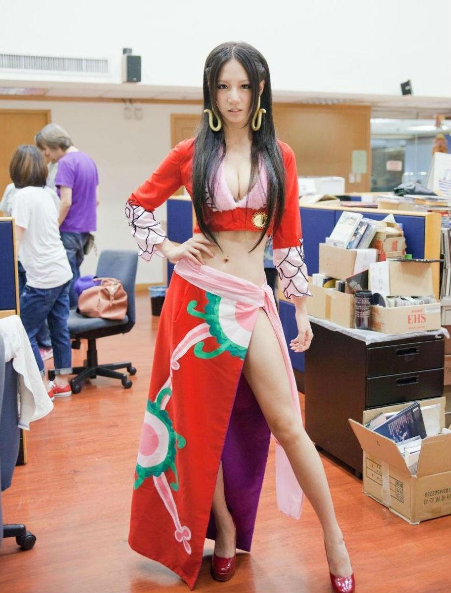 女帝极品cosplay勾深人美图片