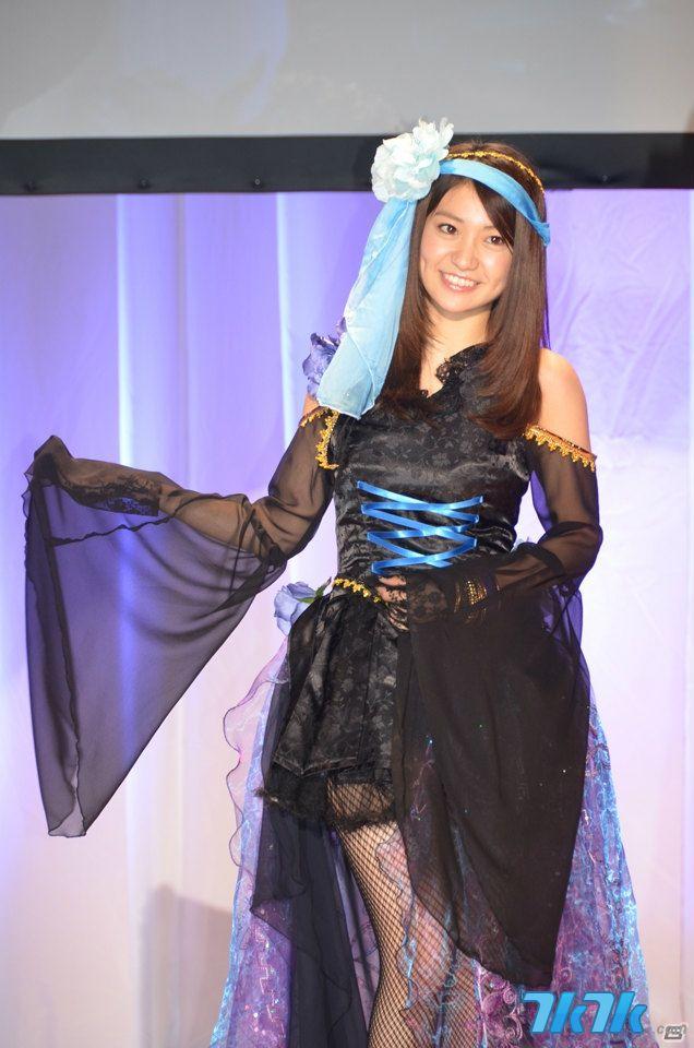 日本akb48美少女团体携手脱光
