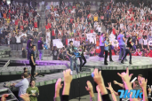 """根据Gamespot报道,Riot Games电竞(eSports)经理Nick Allen 在视频采访中表示,以上的决定是经过开发商与政府之间漫长交锋才得以实现的电竞界的""""里程碑式""""决定。(图为《英雄联盟》Season2世界冠军赛总决赛)"""
