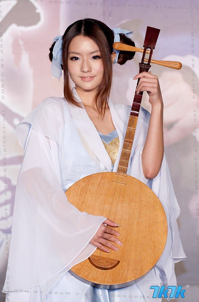 陈语安甜美外表底下,其实也是个爱打游戏的女孩。