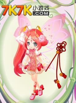 这身装扮像是童话王国走出来的公主,可爱的发型,华丽的裙子,如水晶般