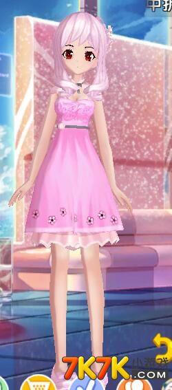 梦幻恋舞玫情蜜意时装解析 粉色可爱小碎花蓬蓬裙